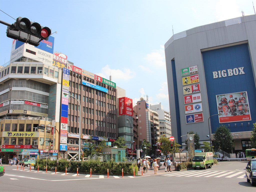 高田馬場駅前の風景03